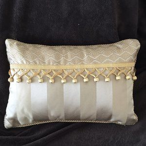 Waterford Accent Pillow, Gold 2-Tone with Tassels,